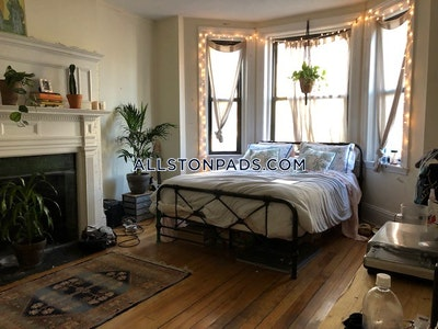 Allston 3 Beds 1 Bath Boston - $3,600
